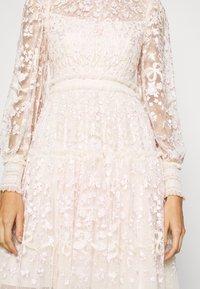 Needle & Thread - EMILANA DRESS - Koktejlové šaty/ šaty na párty - champagne - 5