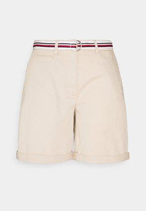 SLIM - Shorts - classic beige
