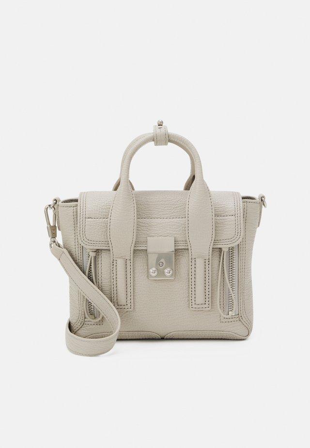 PASHLI MINI SATCHEL - Handbag - feather
