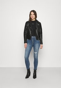 Calvin Klein Jeans - HIGH RISE SKINNY - Skinny džíny - denim medium - 1