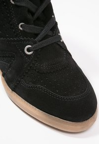 Pavement - VIBE - Ankle boots - black - 2