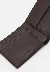 Calvin Klein - BIFOLD COIN - Plånbok - dark brown - 3