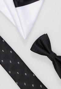 Jack & Jones - JACFREDERIK GIFT BOX SET - Kapesník do obleku - black - 6