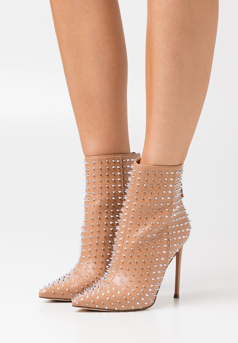 Steve Madden - VIA - High heeled ankle boots - clear
