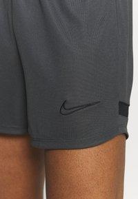 Nike Performance - DRY ACADEMY SHORT - Sportovní kraťasy - anthracite/black - 5