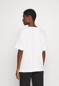 Esprit - BOXY TEE - Basic T-shirt - off white - 2