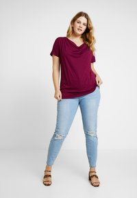 Zalando Essentials Curvy - T-shirt basic - purple potion - 1