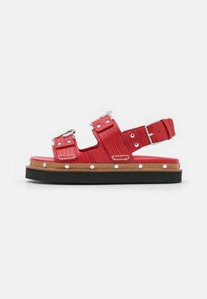 ALIX FLATFORM - Sandalen met plateauzool - mars red