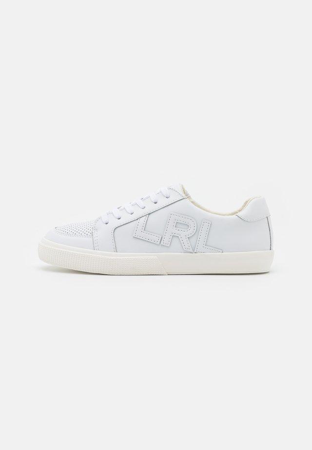 ACTION JAEDE - Sneakersy niskie - white