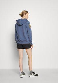 The North Face - NOVELTY PATCH HOODIE  - Sweatshirt - vintage indigo - 2