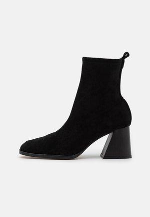 VEGAN GABRIELA - Classic ankle boots - black