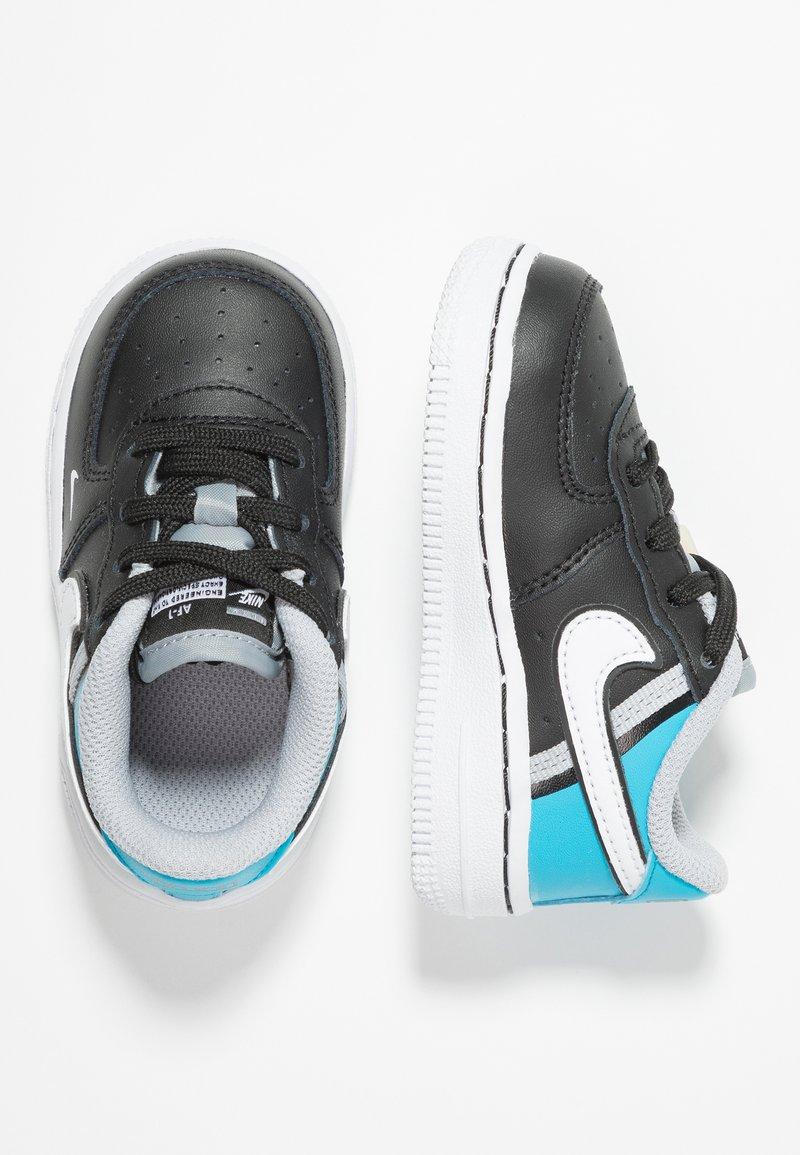 Nike Sportswear - FORCE 1 LV8  - Sneakers - black/white/light current blue/wolf grey