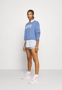Levi's® - GRAPHIC DIANA CREW - Sweatshirt - colony blue - 1