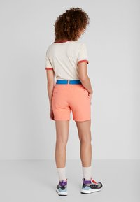 Vaude - SCOPI SHORTS II - Sports shorts - pink canary - 2