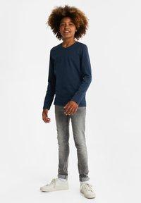 WE Fashion - REGULAR FIT - Langærmede T-shirts - dark blue - 0