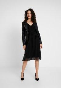 Vero Moda - VMMARLYN SINGLET DRESS - Robe de soirée - black - 1
