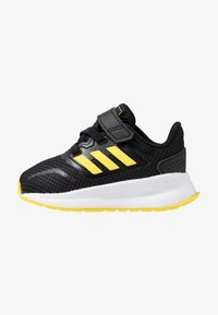 core black/shock yellow/footwear white