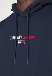 Tommy Jeans - LINEAR LOGO HOODIE UNISEX - Hoodie - blue - 3