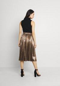 Molly Bracken - LADIES WOVEN SKIRT - A-line skirt - mat gold - 2