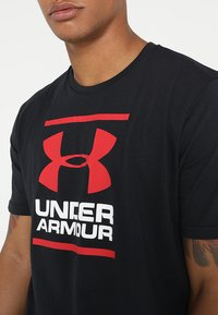 Under Armour - FOUNDATION - Print T-shirt - black/white/red - 4