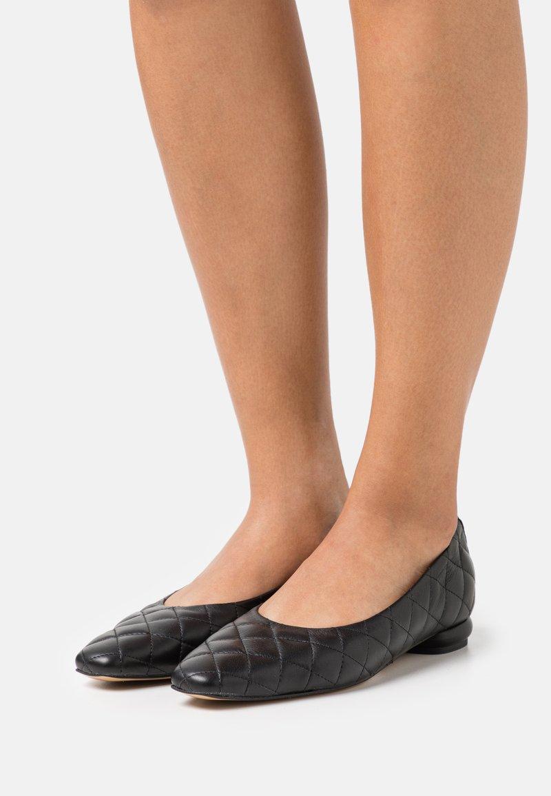 L37 - WOMAN'S WORLD - Ballet pumps - black