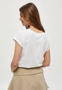 Minus - LETI - Basic T-shirt - white - 2