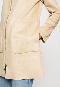 ONLY - ONLHANNAH HOODED JACKET - Short coat - light brown - 4
