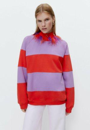 MIT KONTRASTSTREIFEN  - Sweatshirt - red