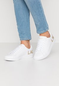 Lacoste - CARNABY EVO  - Trainers - white - 0