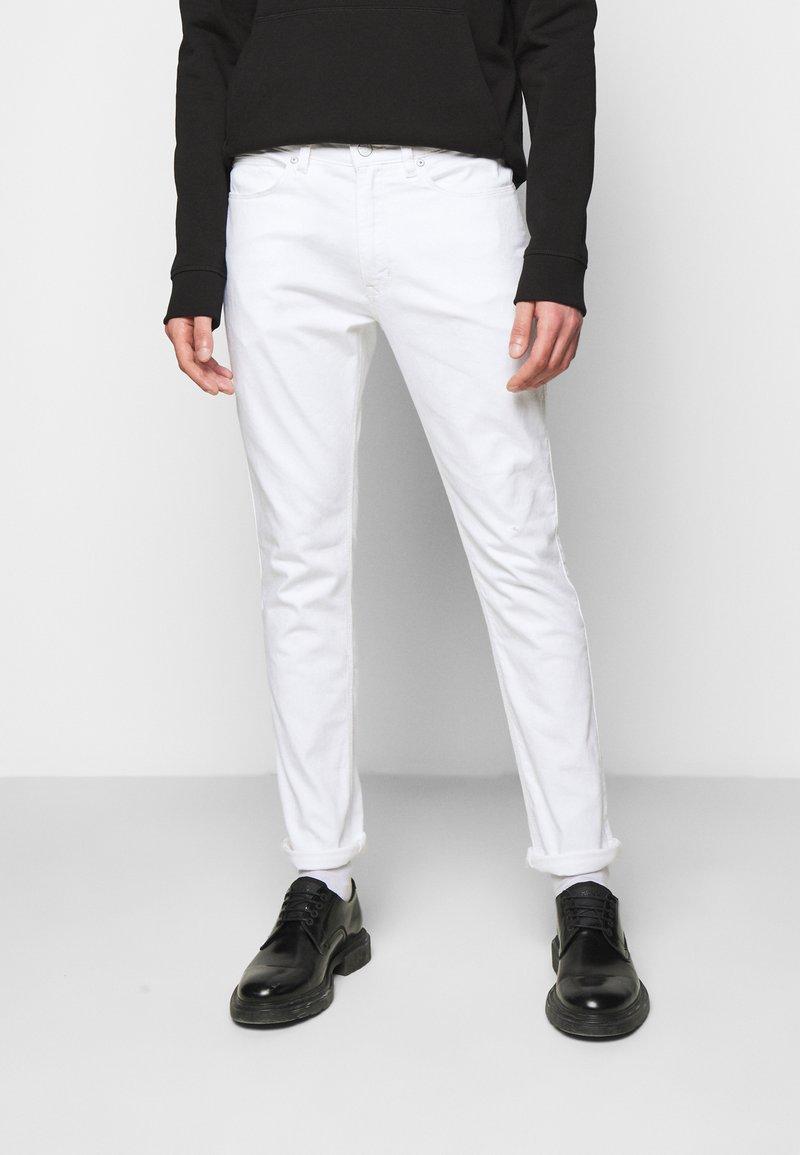 HUGO - Jeans slim fit - white