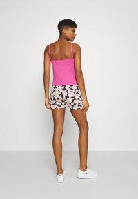 Nike Sportswear - TANK CAMI - Linne - active fuchsia/white - 2
