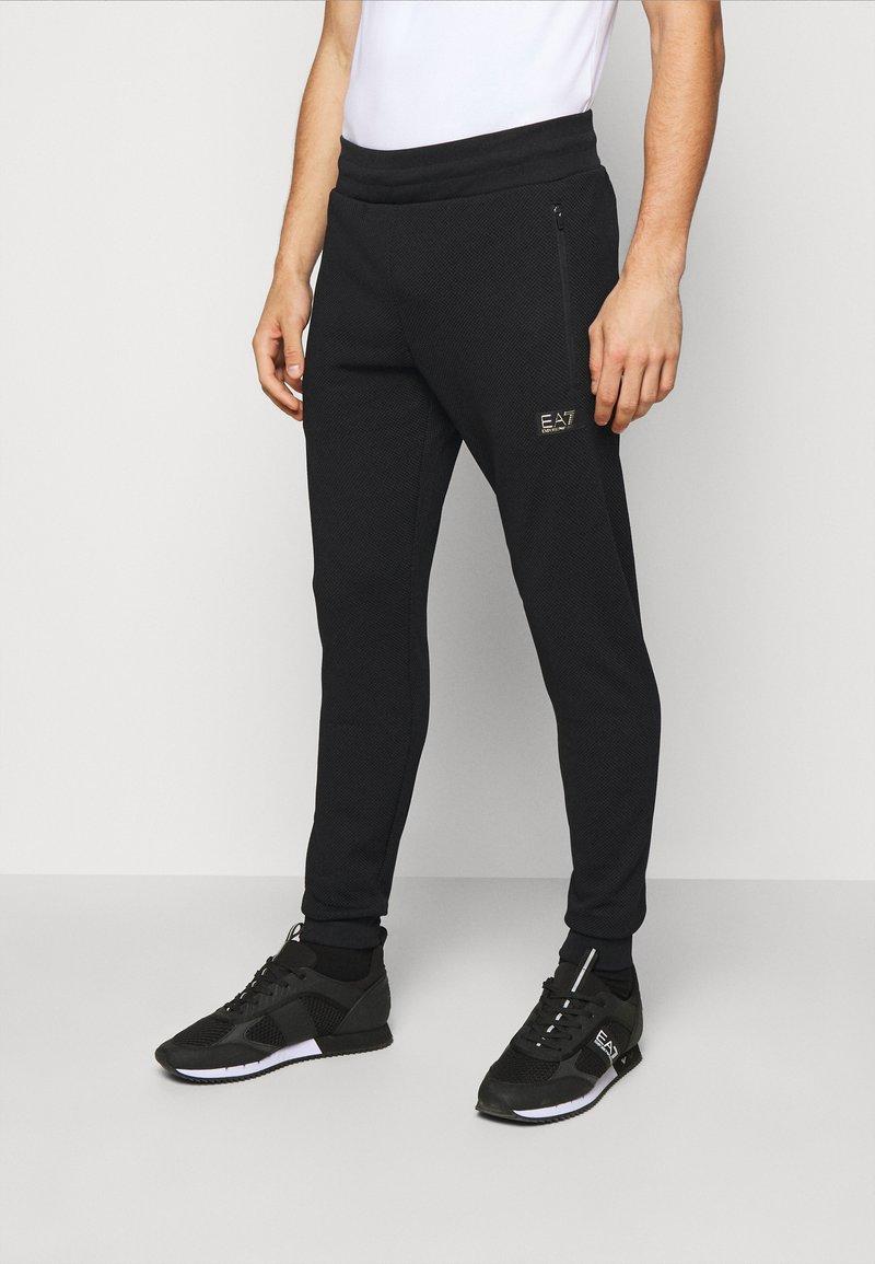 EA7 Emporio Armani - PANTALONI - Pantaloni sportivi - black