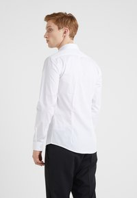 Tiger of Sweden - FILBRODIE EXTRA SLIM FIT - Kostymskjorta - white - 2