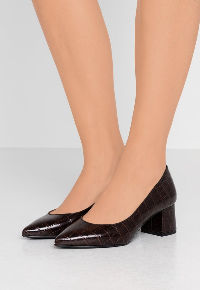 CULINA - Klassiske pumps - dark brown