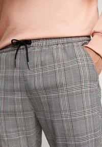 Brave Soul - COLTON - Trousers - black/brown - 4