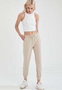 DeFacto - Pantalon de survêtement - beige - 3