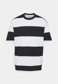SLHLOOSEBOLD - Camiseta estampada - sky captain/bright white