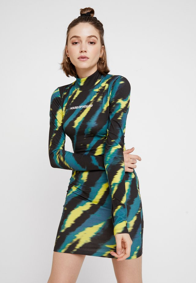 TIE DYE BODY CON MINI DRESS - Etuikjole - green/yellow/black