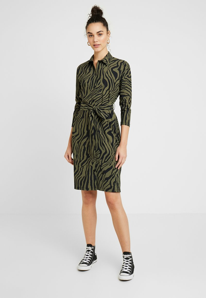 Expresso - STRONG - Jersey dress - olive