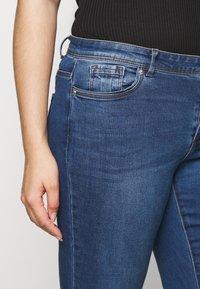 Vero Moda Curve - VMTANYA PIPING - Skinny-Farkut - dark blue denim - 3