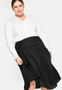 Sheego - Pleated skirt - schwarz - 4