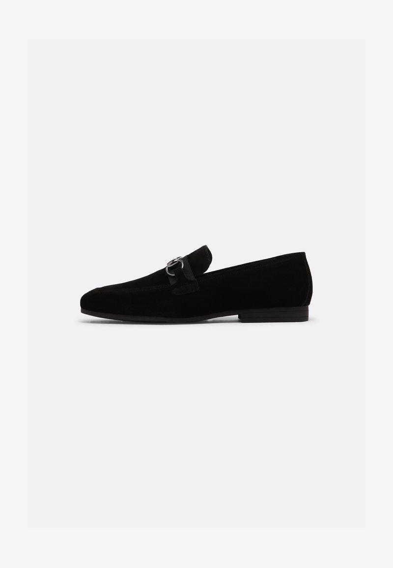 Pier One - Nazouvací boty - black