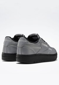 Reebok Classic - CLUB C DOUBLE - Trainers - silver - 6