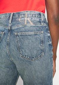 Calvin Klein Jeans - MOM - Relaxed fit jeans - denim medium - 3