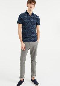 WE Fashion - WE FASHION HEREN POLO MET DESSIN - Poloshirt - blue - 1