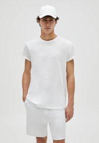 PULL&BEAR - 3 PACK - T-shirt - bas - off-white - 1
