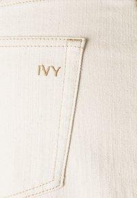 Ivy Copenhagen - MIA STRAIGHT  - Jeans straight leg - ecru - 2