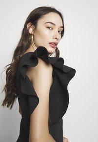 Missguided Petite - ONE SHOULDER RUFFLE WRAP MINI DRESS - Jerseykjole - black - 3