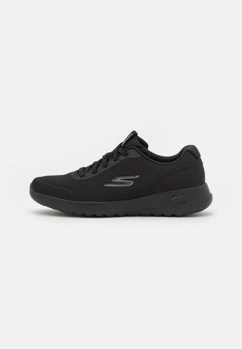 GO WALK JOY - Zapatillas para caminar - black