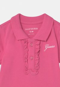 Guess - STRETCH - Baby gifts - pop pink - 2